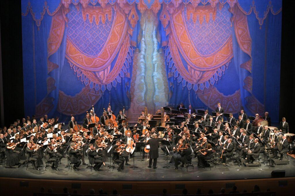 Валерий Гергиев и оркестр Мариинского театра начинают гастроли в Испании